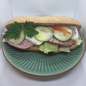 Salami- och briebaguette